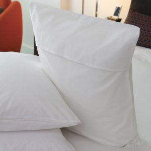 8881 T-200 Import Hooded Pillow Protector